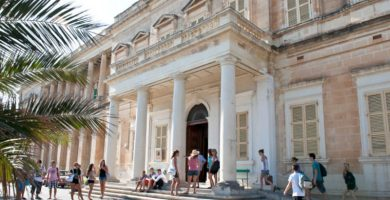 Escuela de Inglés en Malta AM Language
